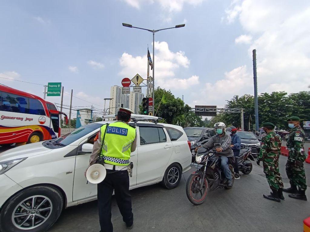 Ada Penyekatan di Daan Mogot Jakbar, Kendaraan Diputar Balik ke Tangerang