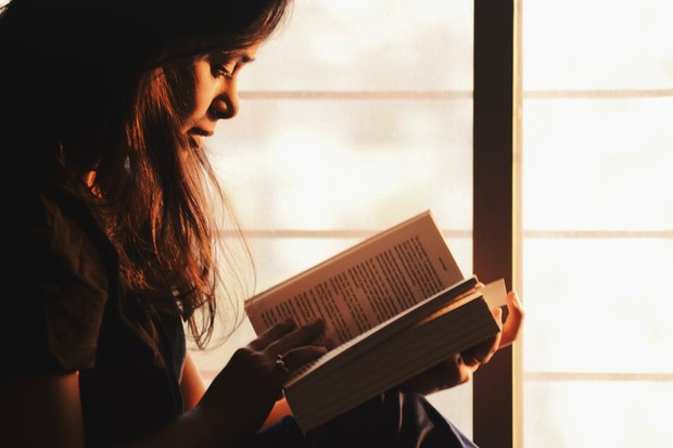 Produktif selama ppkm darurat dengan membaca buku