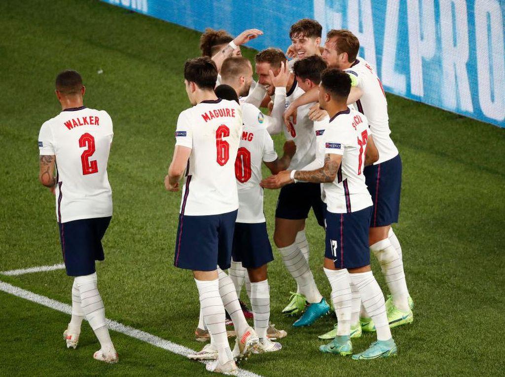 Inggris Luar Biasa, Meningkat di Setiap Laga