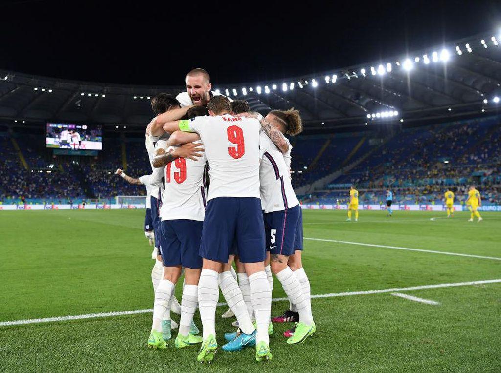 Suka Cita Suporter Inggris usai Tiga Singa ke Semifinal Euro 2020