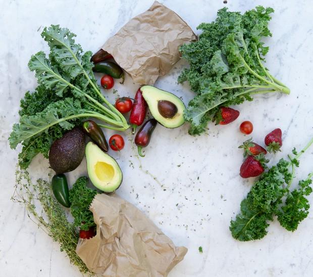 Sayur dan buah dalam menu sehari - hari.