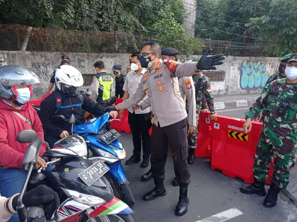 Kemacetan di Titik Penyekatan Daan Mogot, Polisi Siap Pertebal Pasukan Jaga