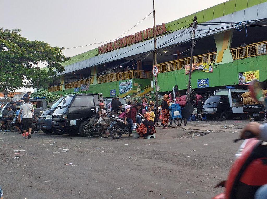 Pasar Tradisional Surabaya Tutup Pukul 8 Malam, Pedagang Berusaha Taat Prokes