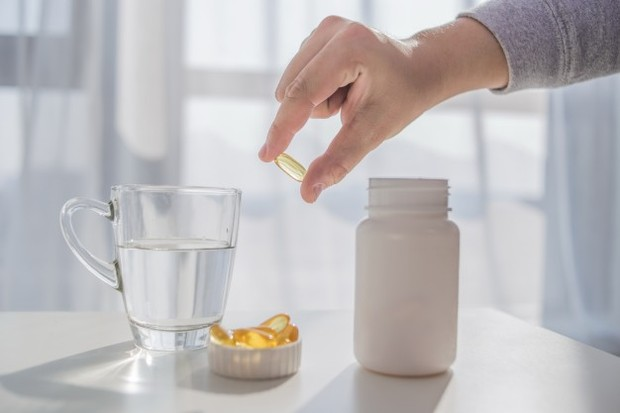 Menjalankan fungsi metabolisme serta kalsium membuat vitamin D penting untuk dikonsumsi.