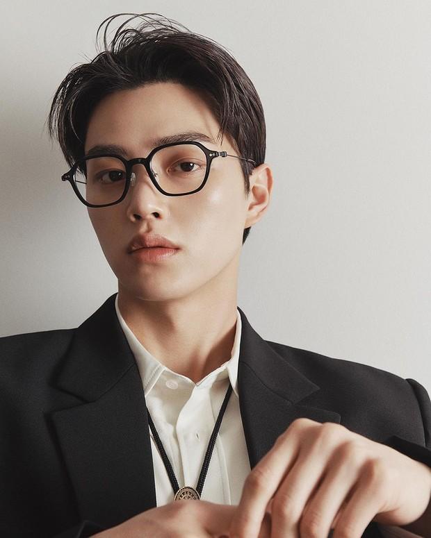 Aktor Korea Selatan Song Kang mendapat gelar Nation's First Look