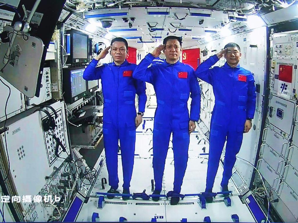 Tiga Astronaut China Akan Kembali ke Bumi