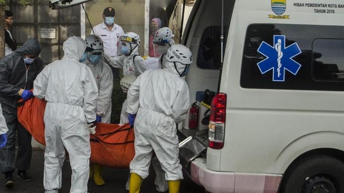 Kasus COVID-19 di Indonesia masih terus bertambah. Virus Corona varian Delta disebut jadi salah satu penyebab lonjakan kasus Corona di Tanah Air