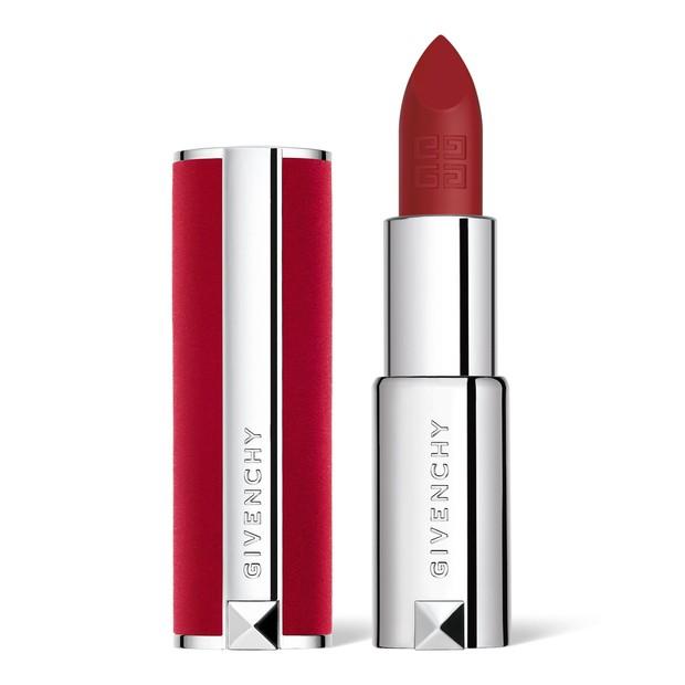 Lipstik dari givenchy menjadi favoritnya karina aespa
