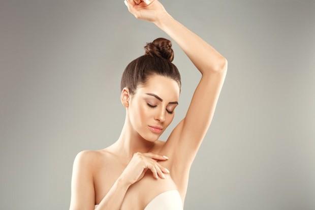 Meskipun kulit tertarik dan memar yang muncul pada kulit sensitif setelah melakukan waxing ketiak adalah hal normal.