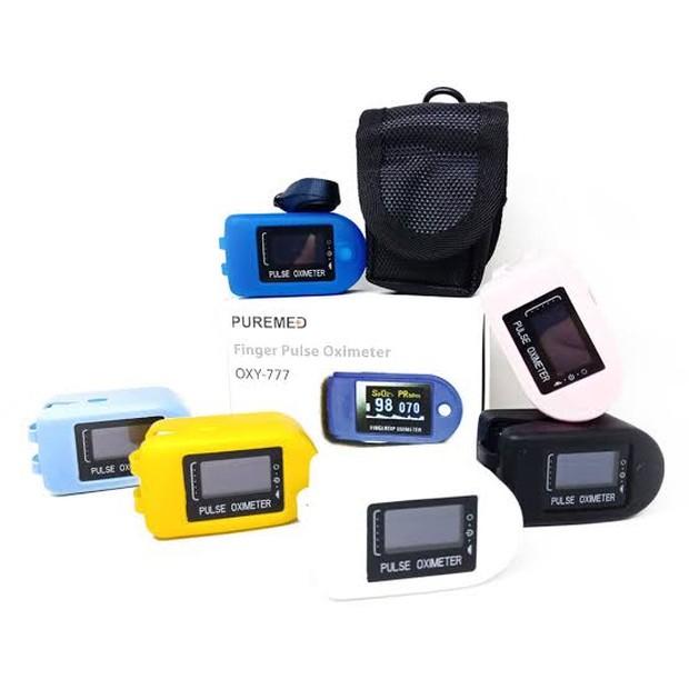 Oximeter ini memiliki display LED berwarna sehingga mudah dibaca.