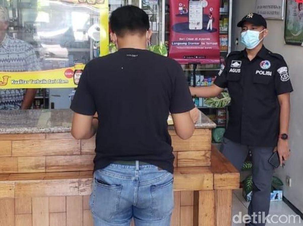 Polisi Sidak Apotek di Surabaya, Cek Harga Obat Saat Corona Menggila