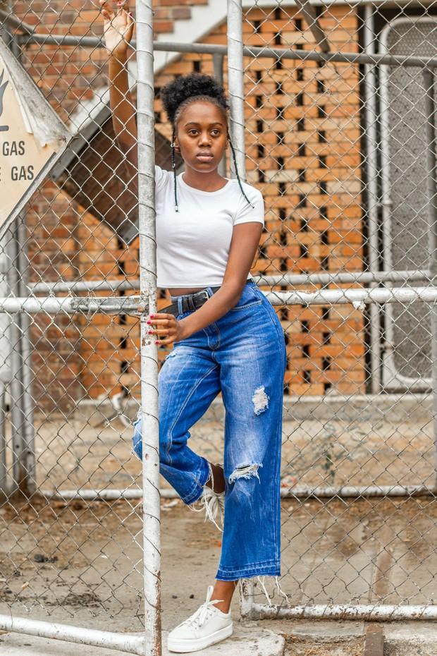 Model celana jeans untuk bentuk tubuh apel