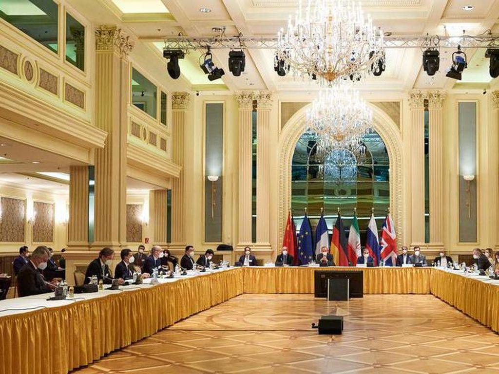 Iran Mulai Produksi Uranium Diperkaya 20 Persen, AS-Eropa Beri Peringatan