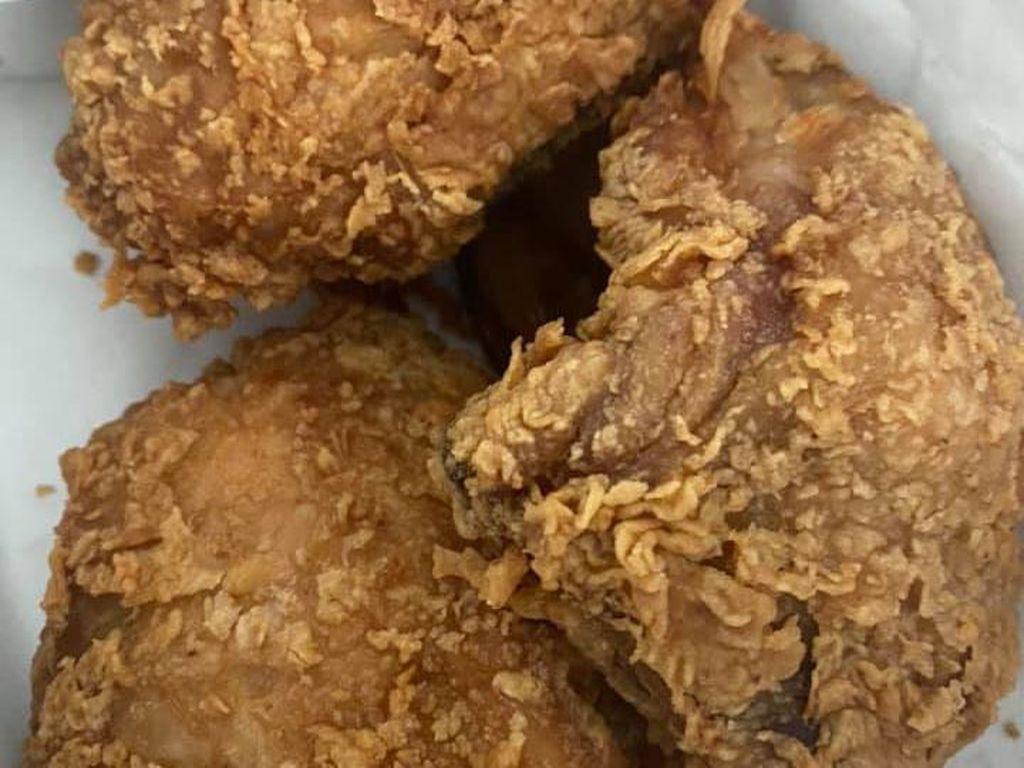 Kirim Pesan Unik ke KFC, Netizen Ini Dapat 3 Ayam Paha Atas!