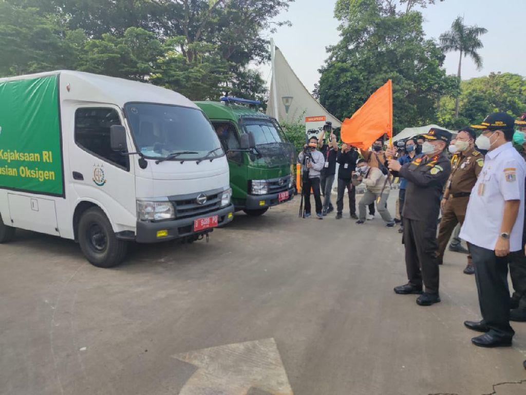 Mobil Tahanan Jaksa Salin Rupa untuk Distribusi Tabung Gas Oksigen di Jakarta