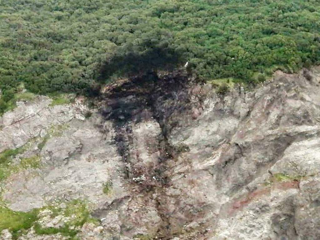 Petaka Pesawat Tabrak Tebing di Rusia Tewaskan Puluhan Nyawa