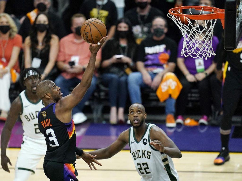 Final NBA 2021: Chris Paul Gemilang, Suns Ambil Gim Pertama