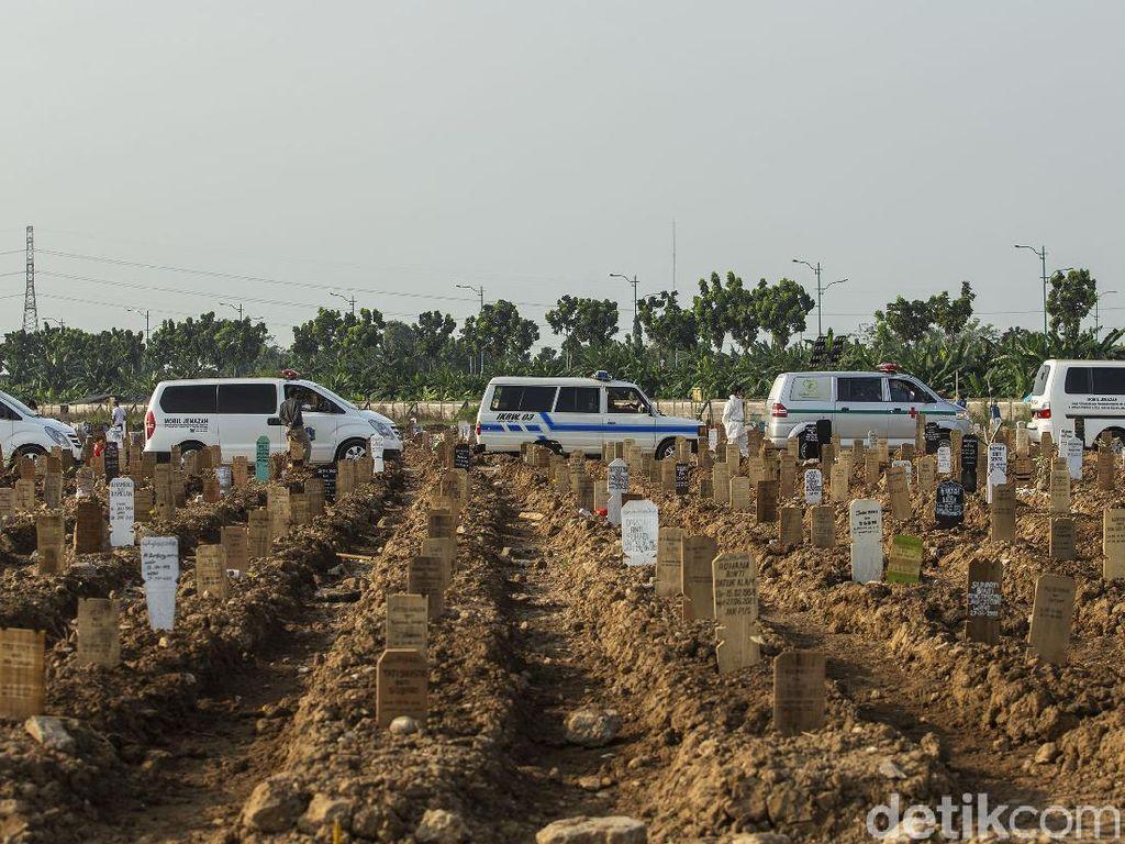 10 Petak Makam di TPU Rorotan Ambles, Pemprov DKI: Kondisinya Tak Parah