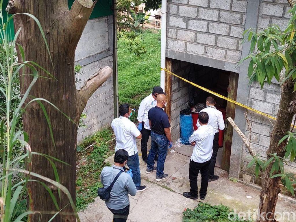 Polda Jabar Gerebek Gudang Produksi Obat Ilegal di Bandung Barat