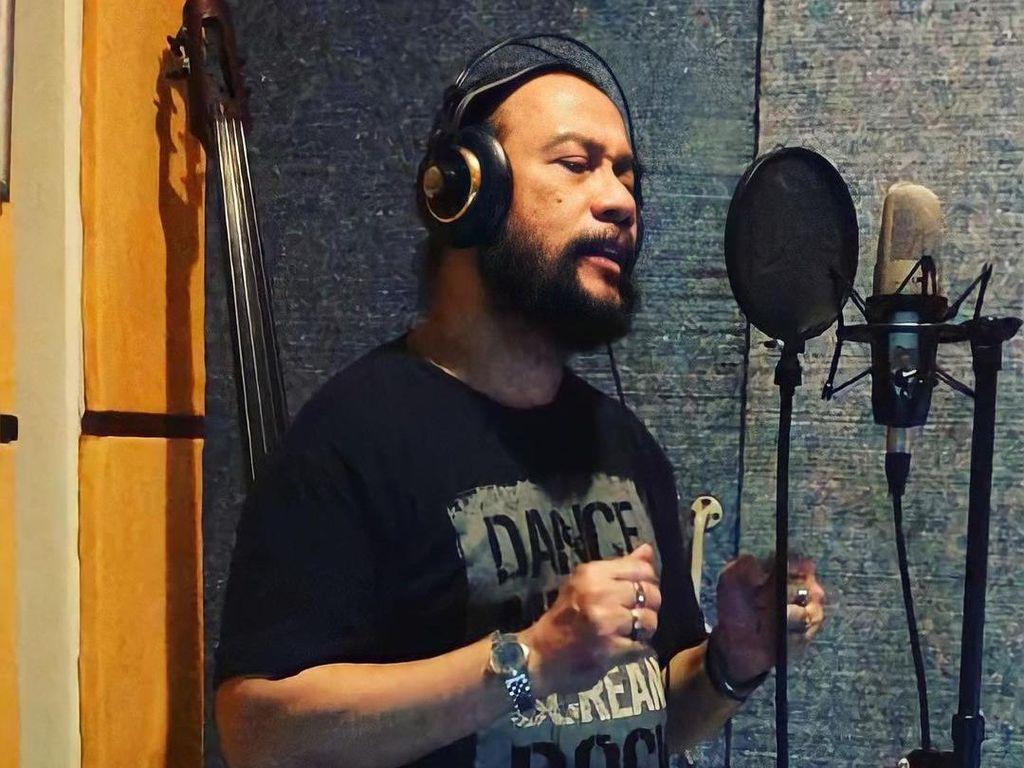 R Akhman Ismail Eks Vokalis Audiensi Band Meninggal karena COVID-19