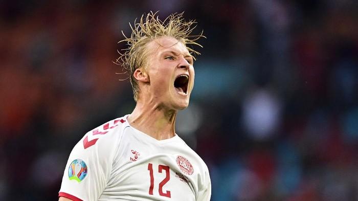 Pada setiap gelaran sepakbola hampir selalu ada tim-tim yang kurang dijagokan namun mampu berbicara banyak di atas rumput hijau, salah satunya Timnas Denmark.