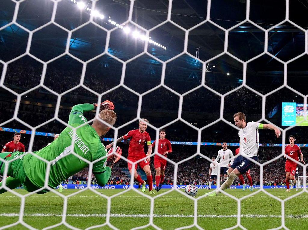 Mourinho: Inggris Tak Seharusnya Dapat Hadiah Penalti