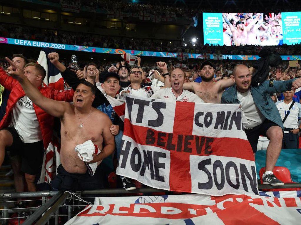 Euro 2020: Footballs Coming Home vs Footballs Coming (to) Rome!