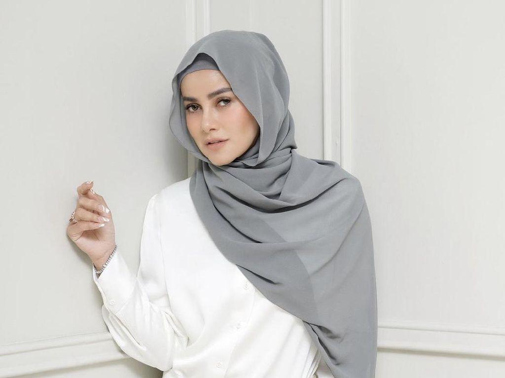 Jawaban Olla Ramlan Saat Ditanya Kemungkinan Lepas Hijab