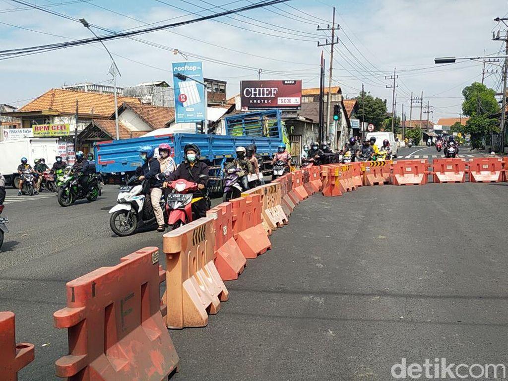 Jalan Mastrip Masuk ke Surabaya Ditutup 24 Jam Selama PPKM Darurat