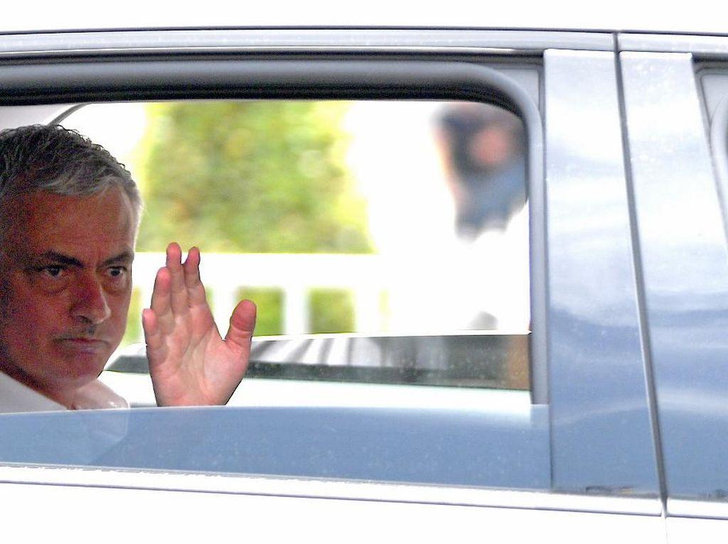 Roma Berharap Pada Tangan Dingin Mourinho