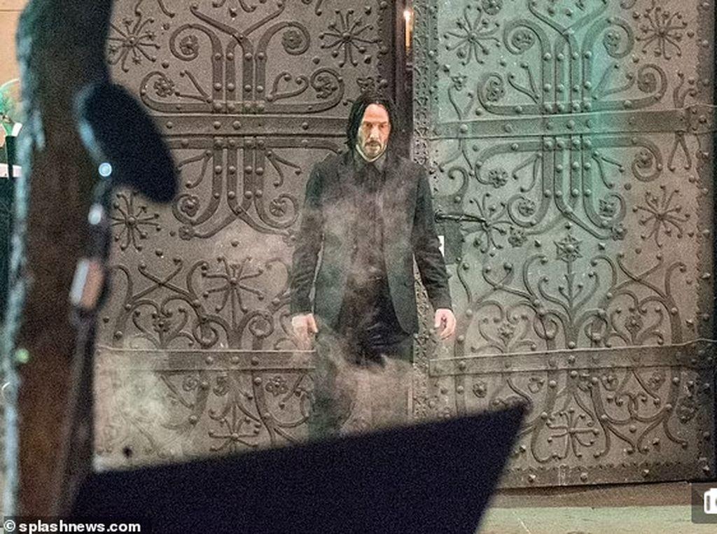 Beredar Foto Keanu Reeves Syuting John Wick 4 di Berlin