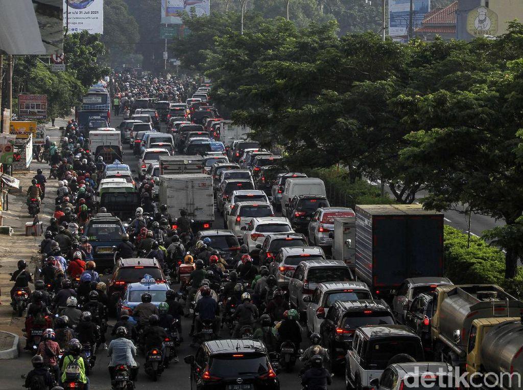 PPKM Darurat Jalan 5 Hari, tapi Keluar-Masuk Jakarta Masih Banyak Banget
