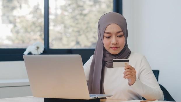 Menghitung pengeluaran sebelum belanja online