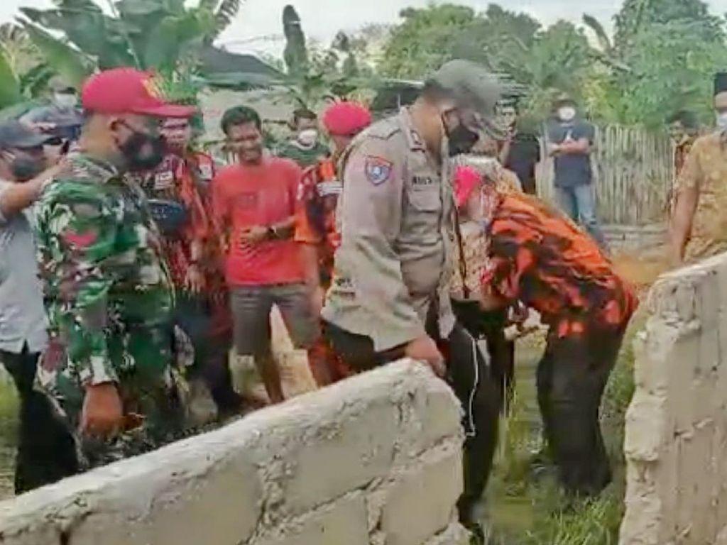 Tembok yang Viral Tutup Akses ke Rumah Warga di Sumsel Dibongkar