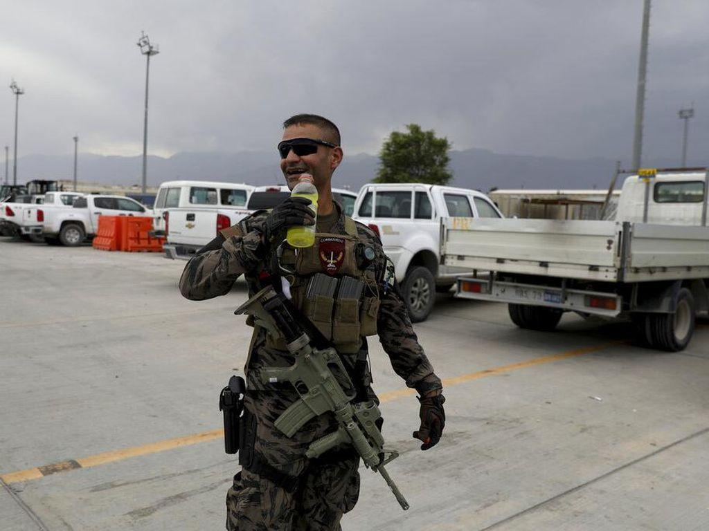 Jet Tempur Militer Afghanistan Jatuh di Uzbekistan