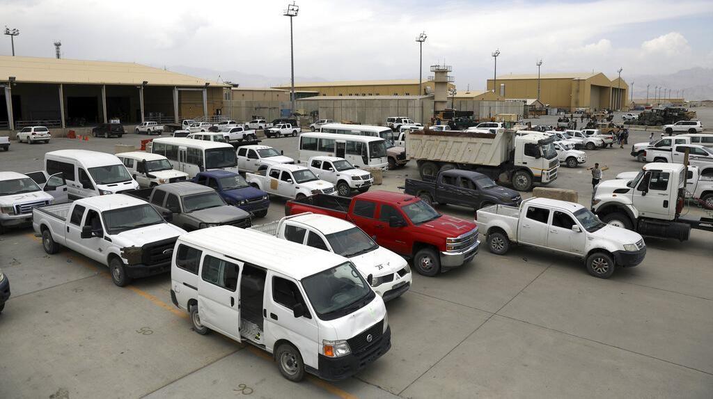 Ribuan Mobil Ditinggal Militer AS Usai Cabut dari Afghanistan