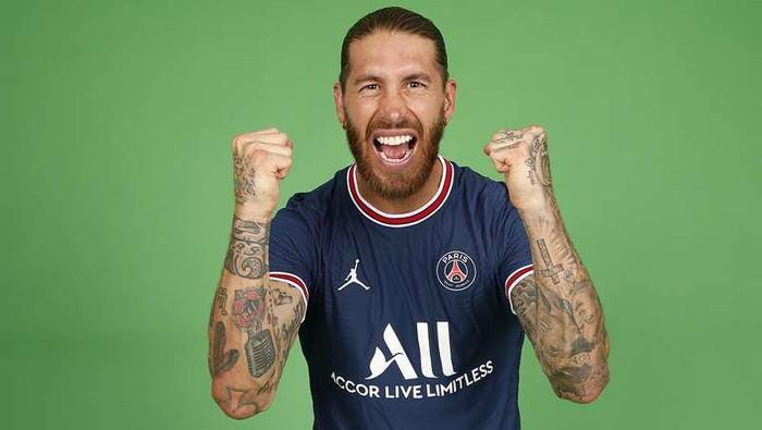 Sergio Ramos resmi bergabung ke Paris Saint-Germain, Kamis 8 Juli 2021.