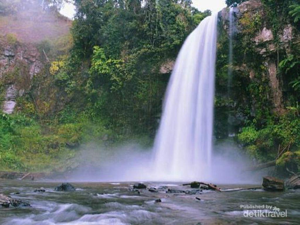 Air Terjun Sigerincing yang Amazing