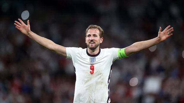 Soccer Football - Euro 2020 - Semi Final - England v Denmark - Wembley Stadium, London, Britain - July 7, 2021 England's Harry Kane celebrates after the match Pool via REUTERS/Carl Recine