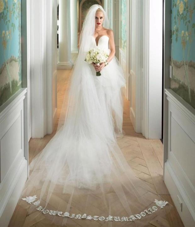 Detail Gaun Pernikahan Gwen Stefani/instagram.com/verawanggang