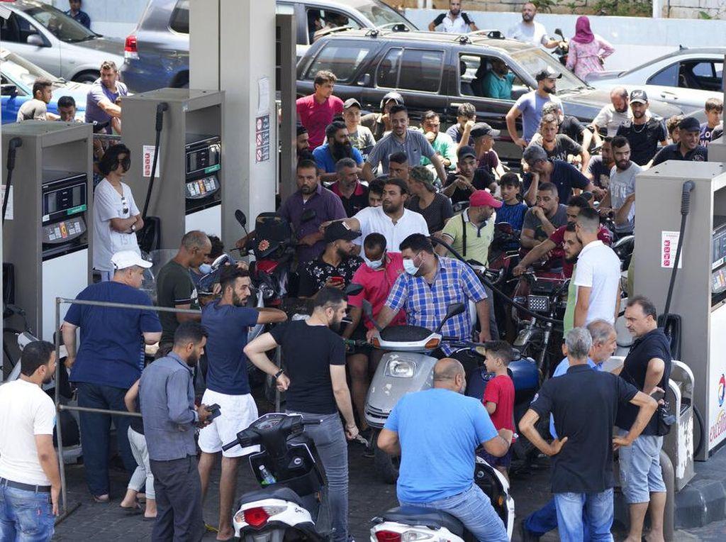 Cara Warga Lebanon Bertahan di Krisis yang Bagai Neraka