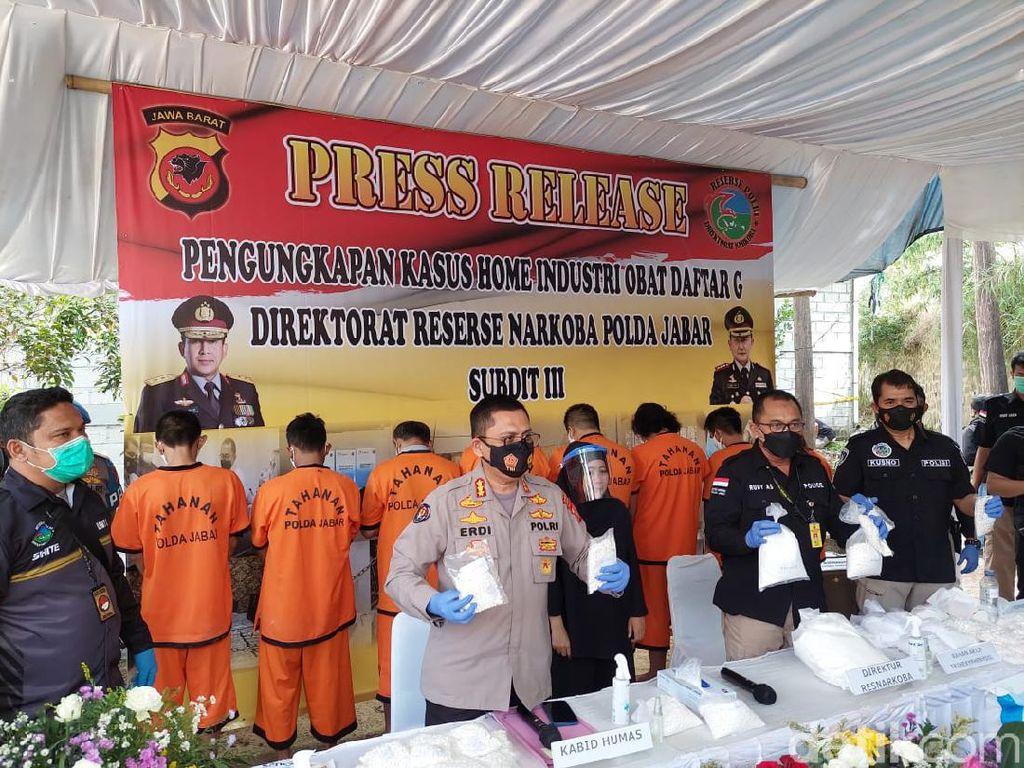 Obat Ilegal Racikan Sindikat di Jabar Diedarkan di Tiga Provinsi