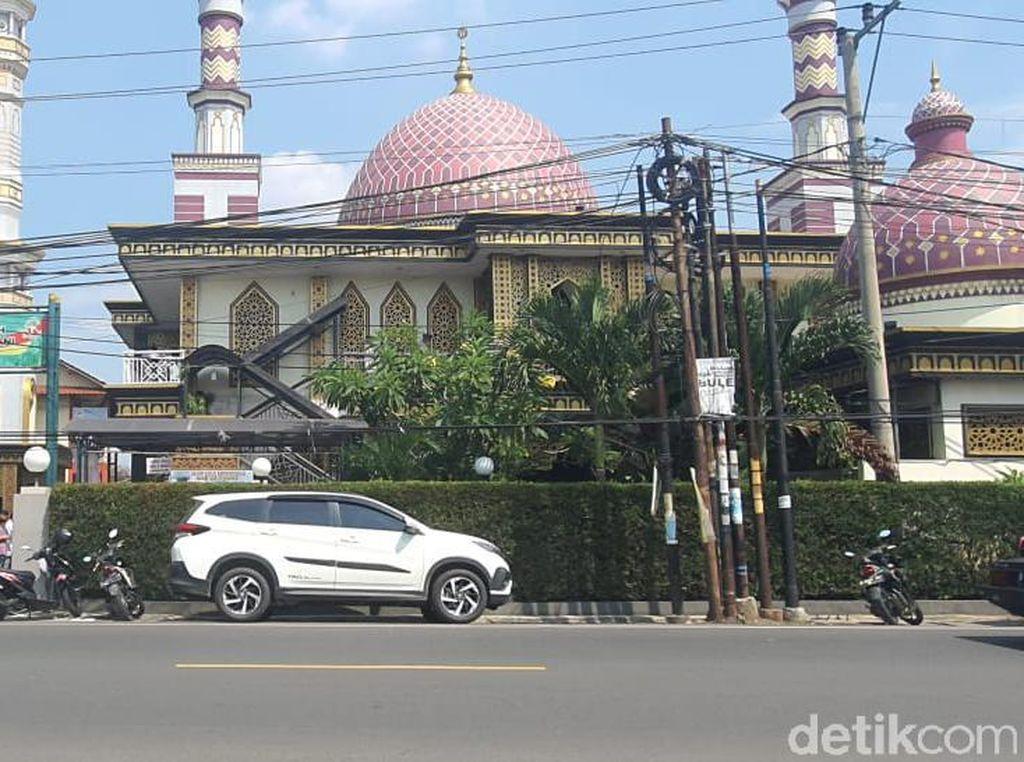 Tak Hanya di Jakarta, Masjid di Depok Tetap Salat Jumat Saat PPKM Darurat