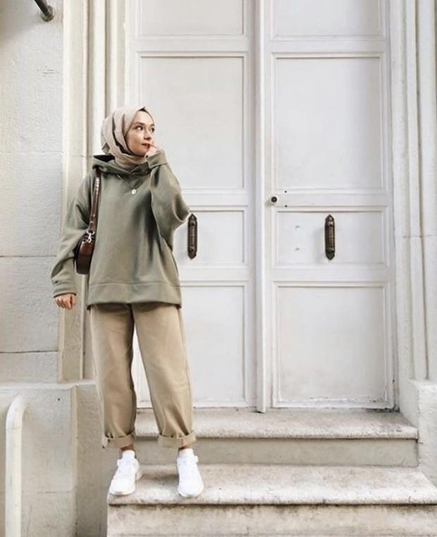 sporty casual untuk ootd hijabers