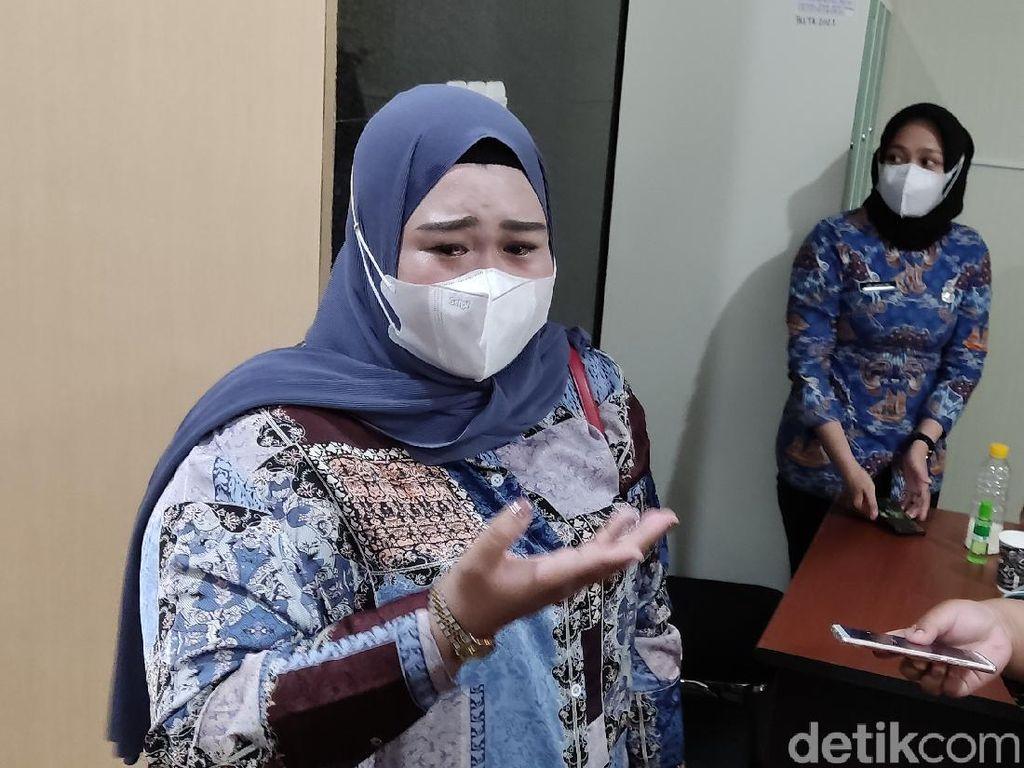 Wanita Disebut Ponakan Nurdin Abdullah Nangis-Tagih Utang ke Pemprov Sulsel
