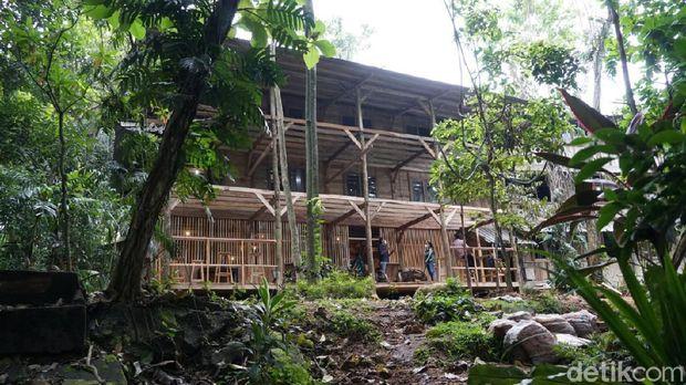 99 Tree Village, Depok