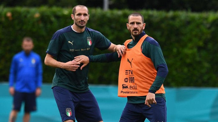FLORENCE, ITALY - JUNE 08: Leonardo Bonucci and Giorgio Chiellini of Italy in action during a Italy training session at Centro Tecnico Federale di Coverciano on June 08, 2021 in Florence, Italy. (Photo by Claudio Villa/Getty Images)