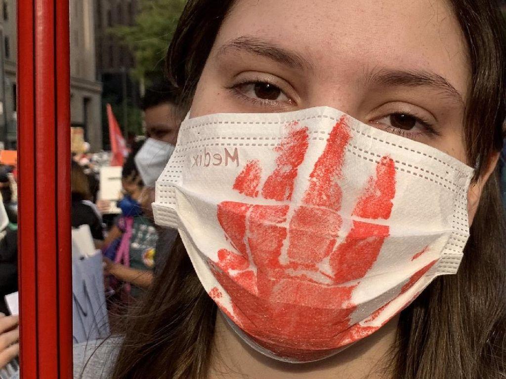 Segala Hal yang Seharusnya Tak Dilakukan Saat Pandemi, Telah Dilakukan Brasil