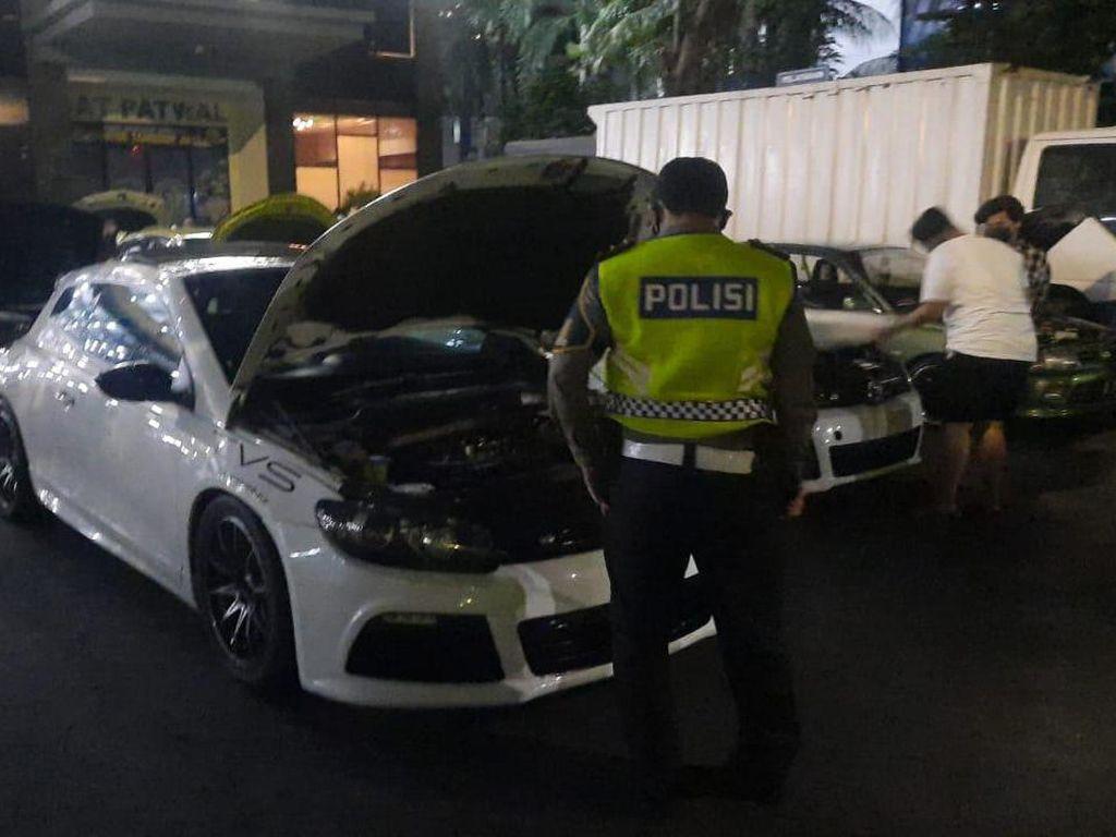Balap Liar Mobil di Senayan saat Masa PPKM Darurat Ditindak!