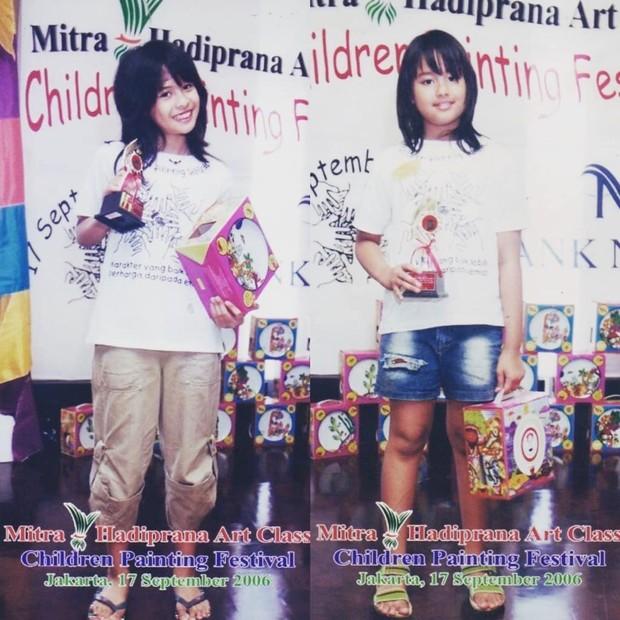 Potret Maudy Ayunda kecil dan adiknya yang sudah diikut sertakan dalam berbagai lomba / sumber : instagram.com/muren.s